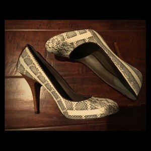 B Makowsky Heels